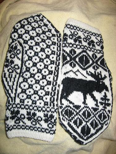 Moose mittens